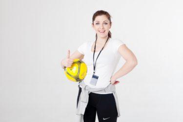 【動画解説】ハンドボール サイドシュートのしゃくりのやり方やコツは?